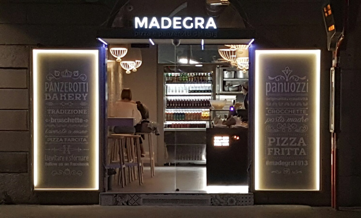 mintlab-brandidentity-Madegra-pizza-e-panzerotti-esterno-insegna-grafica
